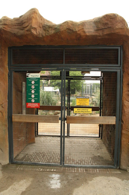 Attrayant ZooLex Image   Double Door System